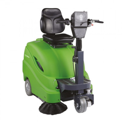 Compact Rider Sweeper - IPC Eagle 512R